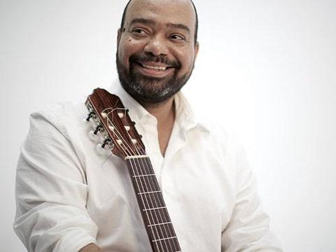 Paulo Flores